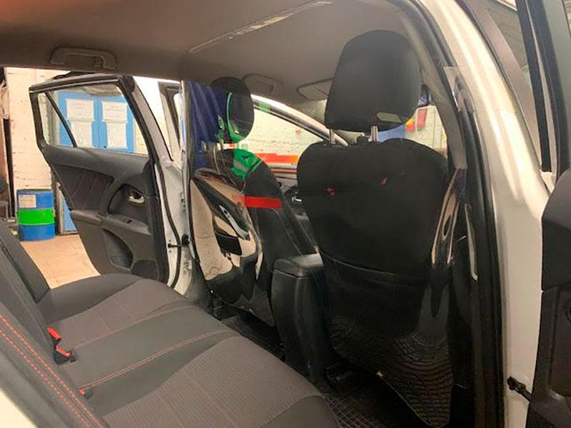 Экран в такси