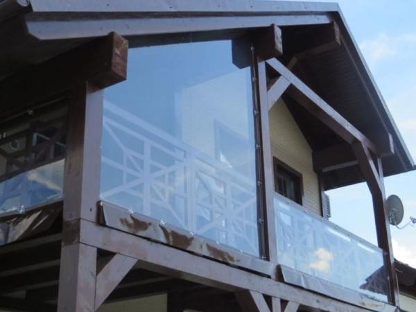 мягкие окна для балкона дачи