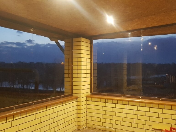 внутреннее крепление мягких окон на балкон