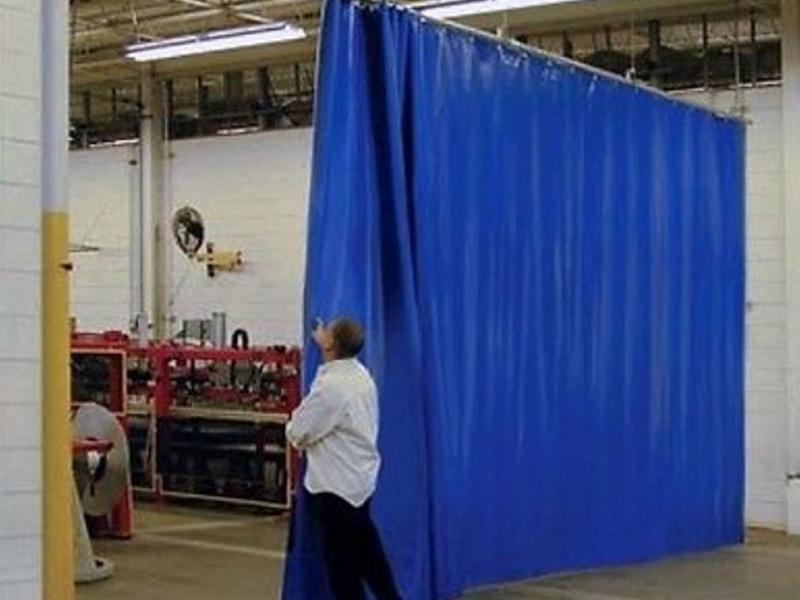 шторы раздвижные для склада на трубе